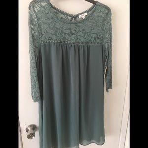NWT XL AUW LACE TUNIC